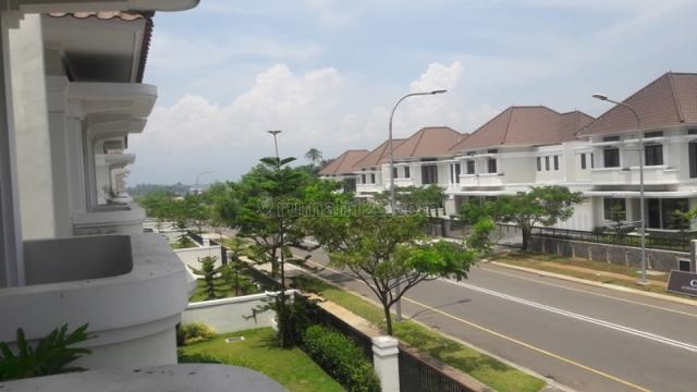 RUMAH MENYENANGKAN MAIN ROAD DI KOTA BARU PARAHYANGAN BANDUNG, Kota Baru Parahyangan, Bandung