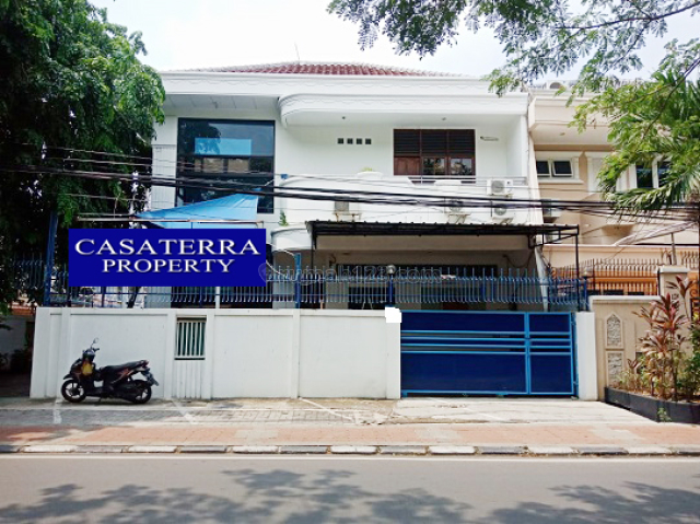 RUMAH SUNTER KARYA RAYA UKU 16X24 LOKASI STRATEGIS POSISI JALAN RAYA BISA USAHA HADAP TIMUR JARANG ADA HARGA NEGO., Sunter, Jakarta Utara