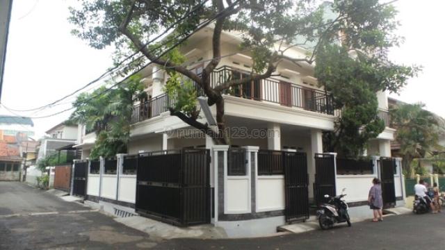 Rumah nyaman di daerah strategis Kalibata Selatan, Kalibata, Jakarta Selatan