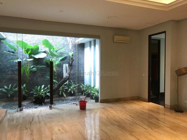 Rumah Menteng dekat Teuku Umar, Menteng, Jakarta Pusat