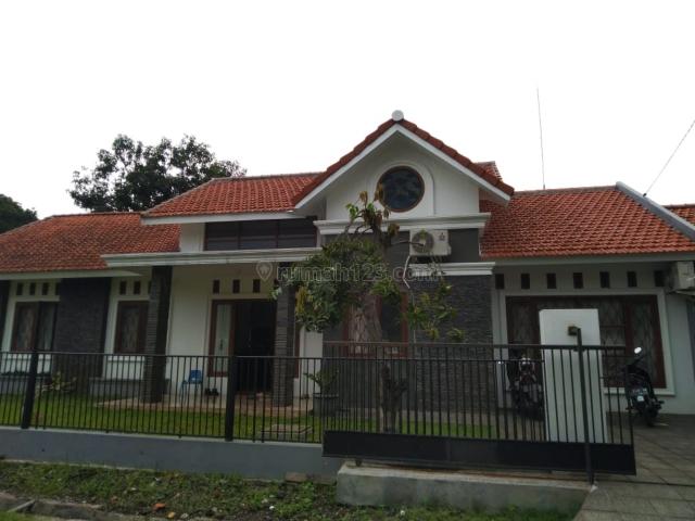 Rumah asri di ketintang, Ketintang, Surabaya