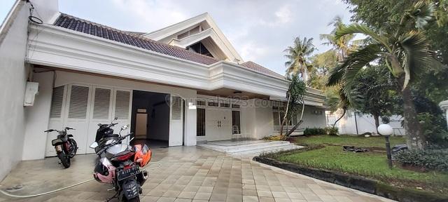 Rumah di Kavling Polri Ragunan, Jakarta Selatan, Private Pool, Siap Huni, 6 Bedroom, Ragunan, Jakarta Selatan