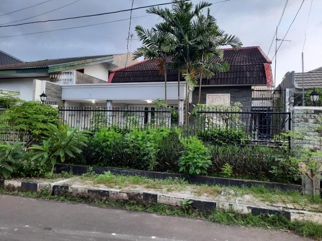 rumah bagus, rapi dan nyaman dan siap pakai, Kemanggisan, Jakarta Barat