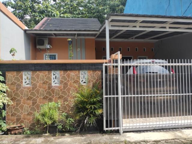 Rumah mewah terawat dan rapih, harga murah, lokasi dalam perumahan mentari kota Depok surat surat SHM, Bojong Sari, Depok