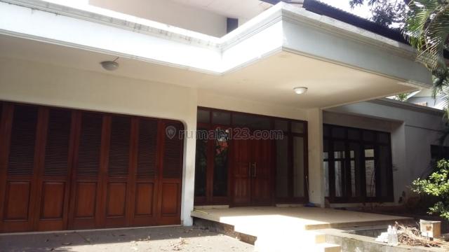 Rumah bisa jadi kantor Jalan Kyai Maja. Kebayoran Baru, Sedikit diatas NJOP, Kebayoran Baru, Jakarta Selatan