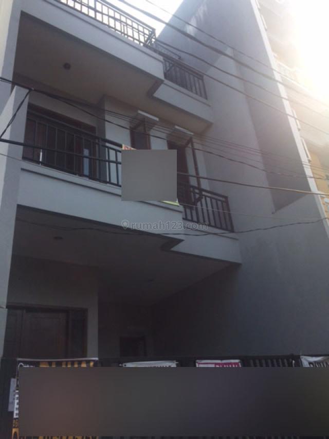 JARANG ADA!!! Rumah Baru Lokasi Strategis Dan Murah Di Tanjung Duren(TD04), Tanjung Duren, Jakarta Barat