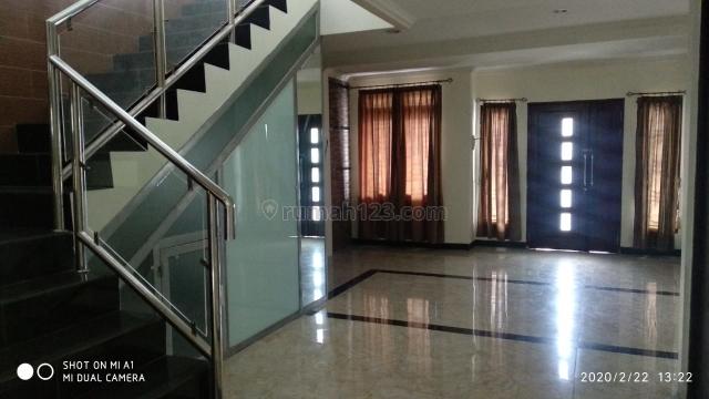 Rumah 3 lantai di Villa Pamulang, Pamulang, Tangerang