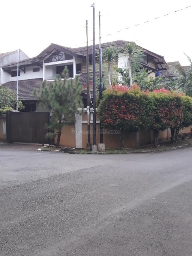 Rumah luas dan asri di Pesanggrahan mas, Pesanggrahan, Jakarta Selatan