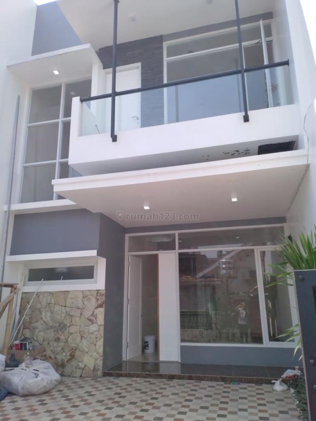 Rumah bagus @Brand New dekat akses Jalan 2 Mobil dekat Stasiun KRL di Tebet Timur, Tebet, Jakarta Selatan