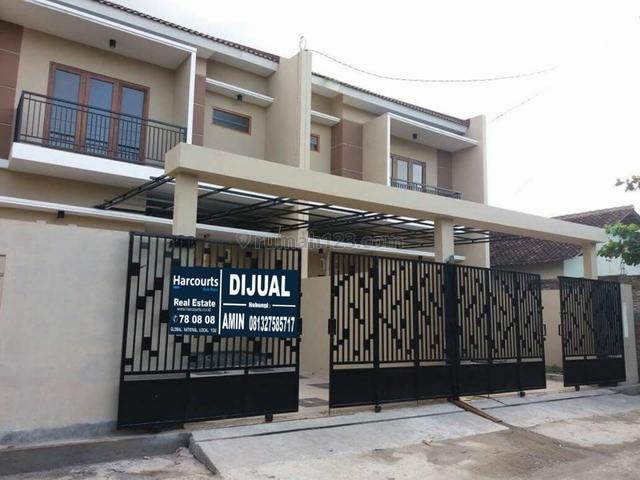 Rumah Modern 2 Lantai di Kerten Solo dekat ke Jajar Purwosari Hotel Aston, Jajar, Solo