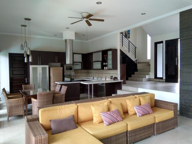 Rumah Villa Setiabudi Regency Nyaman dan Asri, Setiabudi, Bandung
