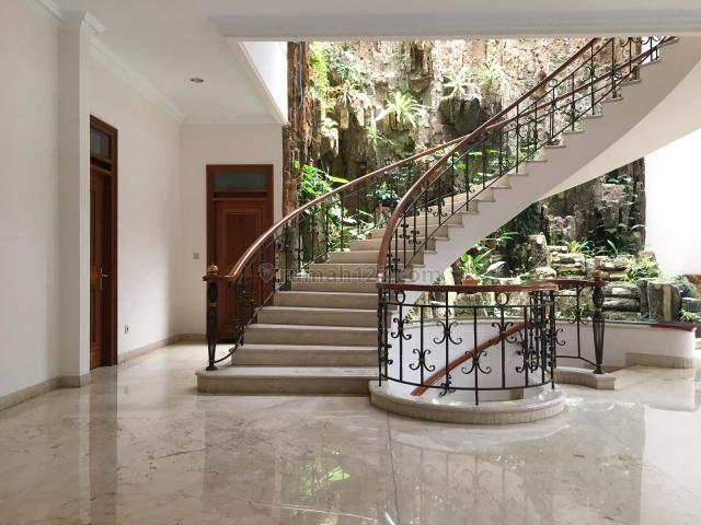 Rumah Lux Classic Full Furnished, Setra Duta, Bandung