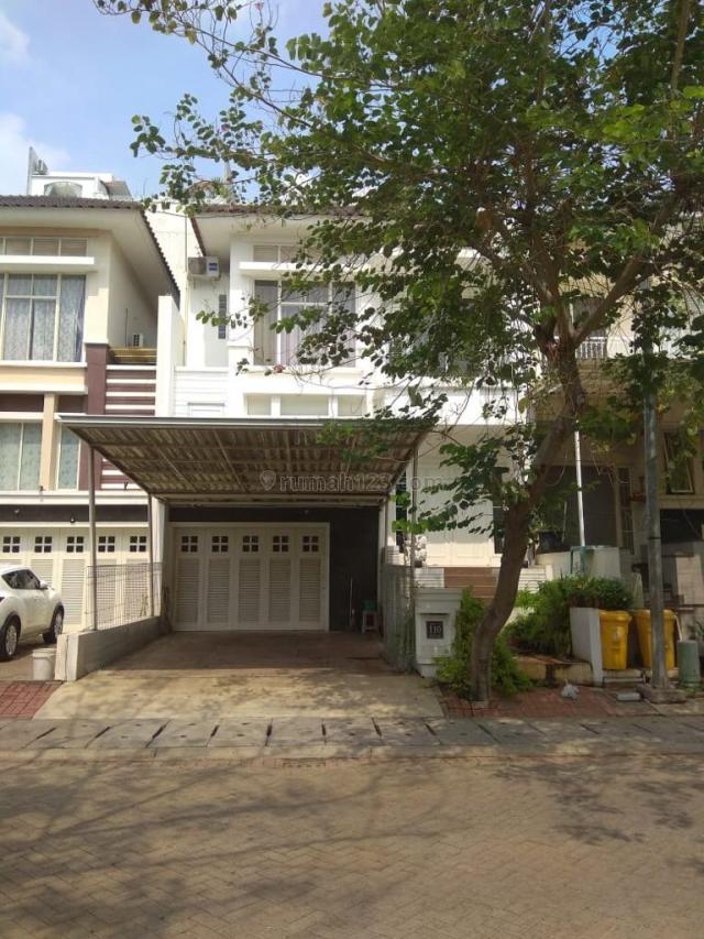 rumah crown golf siap huni 2 lantai 3 kamar tidur semifurnished, Pantai Indah Kapuk, Jakarta Utara