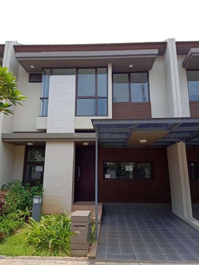 Rumah Hunian Baru Vanya Park Bsd, BSD City, Tangerang