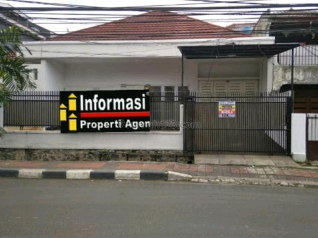 Rumah Kemanggisan, jalan besar, Kondisi rapih, Kemanggisan, Jakarta Barat