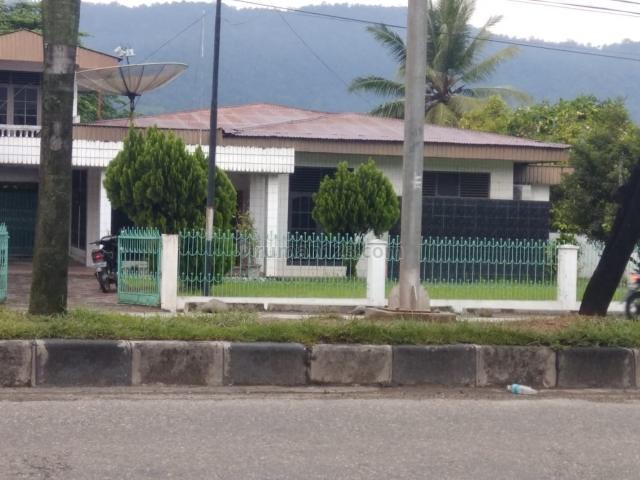 Rumah Tepi Jalan Raya, Lubuk Begalung, Padang