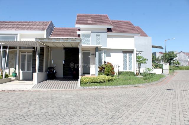 Rumah Cantik Murah di Karangploso, Lingkungan Cluster, Posisi Hook, Karangploso, Malang