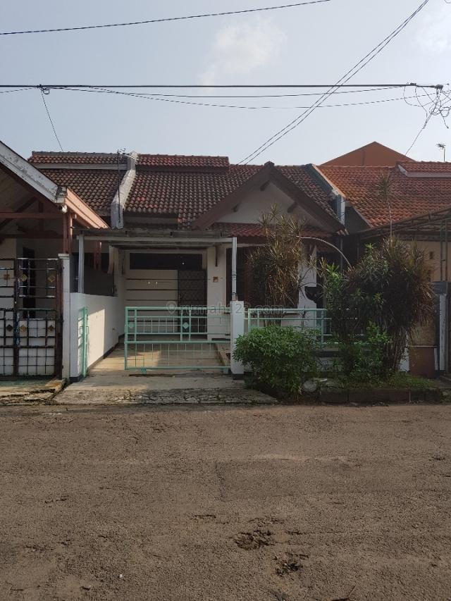 Rumah berpagar, rapi, siap huni, unfurnish, Gading Serpong, Tangerang