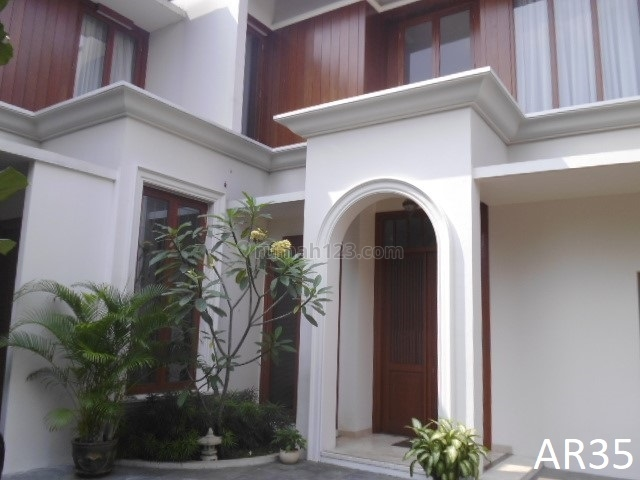 Nice and Beautiful Town House in Very Strategic Residential Cipete Area –AR35, Cipete, Jakarta Selatan