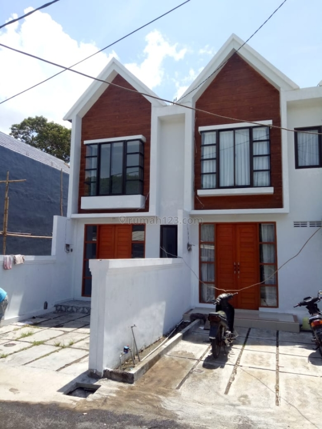 Town House Baru berkwalitas dan Siap huni di Jl.Dharmawangsa Nusa dua - Bali, Nusa Dua, Badung