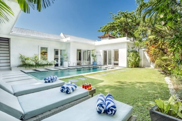 The Best Luxury Private Villa located in the heart of Seminyak with a strategic location that is comfortable and quiet and close to the beach Double Six, Seminyak, Badung