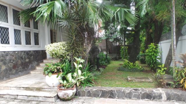 NICE HOUSE FOR EXPATRIATE US3000, Menteng, Jakarta Pusat