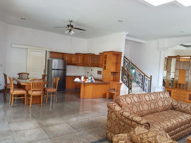Nice and Spacious House @ BSD Taman Giri Loka, 4Bdr - Furnished - With Pool, BSD Taman Giri Loka, Tangerang