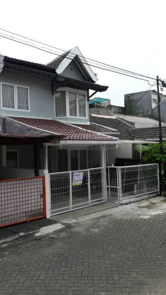 Rumah siap huni di Bintaro Jaya sektor 4, Bintaro, Jakarta Selatan