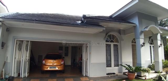 Rumah lokasi strategis di Griya Loka, Bsd, BSD, Tangerang