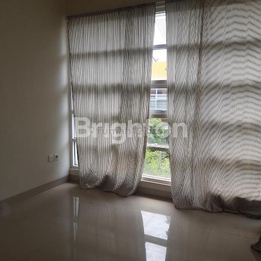 Rumah di Milano siap huni kondisi terawat dan rapih, Gading Serpong, Tangerang