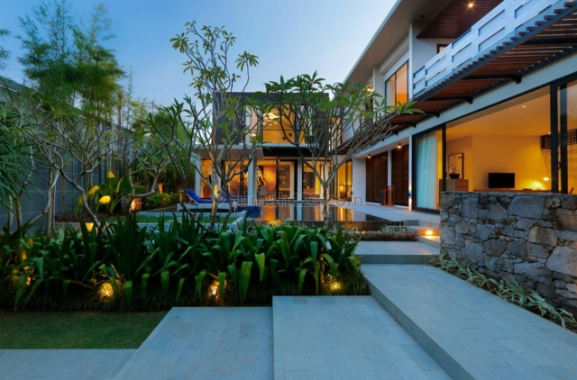 The Best Luxurious Villa Very well built and designed with modern contemporary style in Nusa Dua. This villa is situated in an elite estate., Nusa Dua, Badung