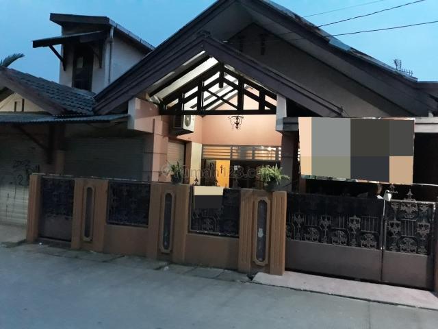 Rumah Bagus , Lingkungan Asri Siap Huni (IS), Bintaro, Tangerang