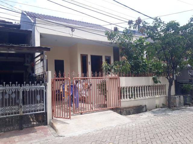 RUMAH STANDARD KOMPLEK GADING GRIYA LESTARI RAPI UKU 8X15 LOKASI STRATEGIS JALAN 2 MOBIL HARGA MENARIK JARANG ADA., Kelapa Gading, Jakarta Utara