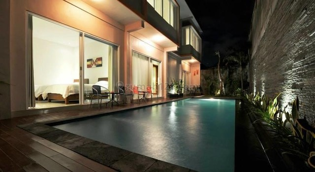 Commercial 7 Bedrooms  Freehold Villa In Umalas, Umalas, Badung
