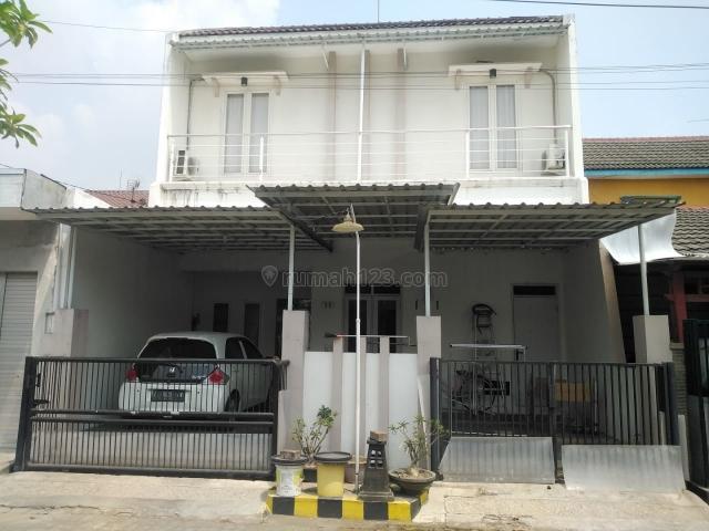 Rumah 1,5 Lantai Bersih dan Terawat Lokasi Wiguna. One Gate System., Wiyung, Surabaya