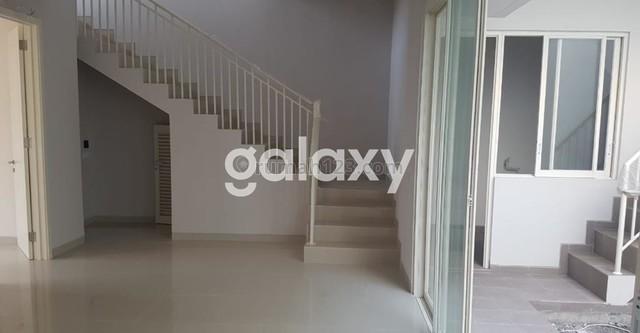 Rumah 2 Lantai Siap Huni Griya Galaxy Surabaya Timur, Rungkut, Surabaya