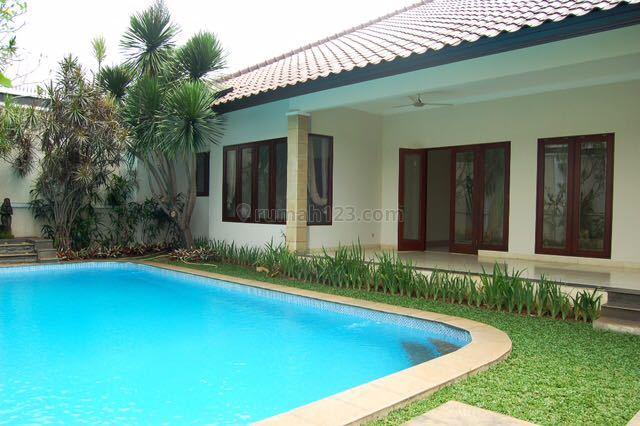 Cozy House 1 storey and Well Maintenance exclusive area at kemang, Kemang, Jakarta Selatan