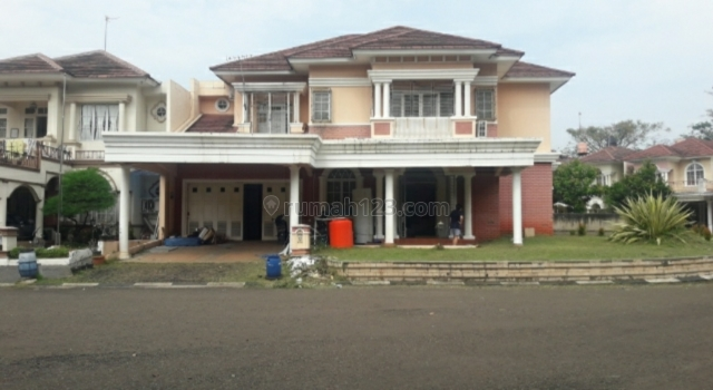 RUMAH BESAR ADA KOLAM RENANG DI DALAM PERUMAHAN KOTA WISATA, CIBUBUR (jj), Cibubur, Bogor