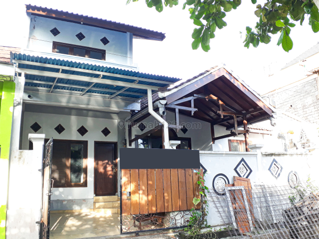 Rumah / Minimalist Two Storey House in a Quite Area at Ungasan, Bali, Balangan, Badung