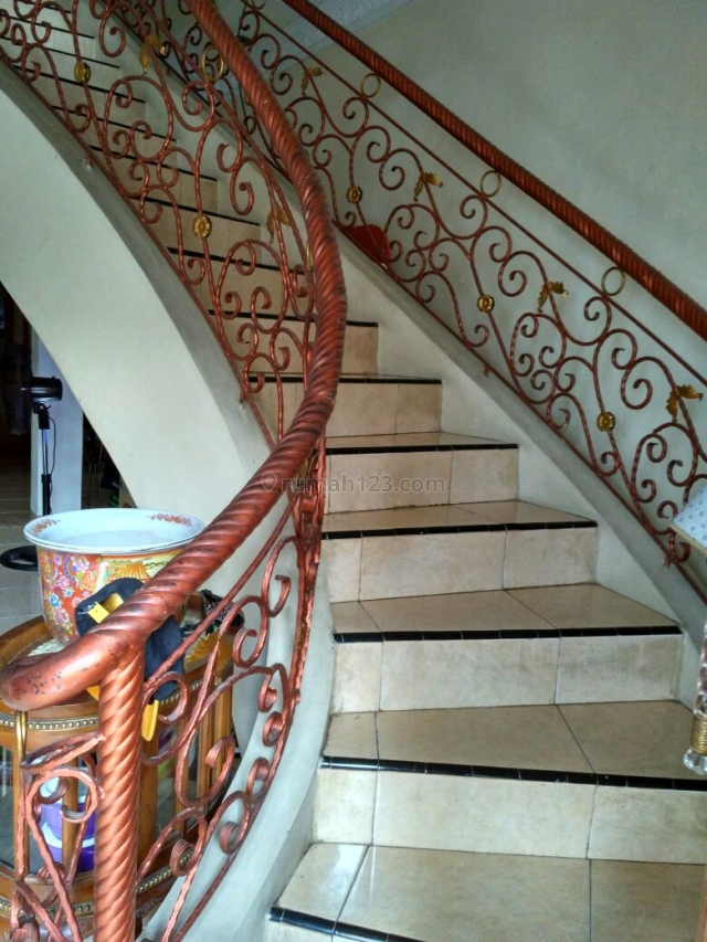 HOUSE AT TEBET TIMUR 3KT STRATEGIC AREA AND CHEAPER PRICE, Tebet, Jakarta Selatan