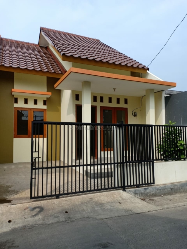 Rumah baru siap huni kavling jatiwarna pondok melati bekasi 5 menit ke tol jatiwarna, Jatiwarna, Bekasi