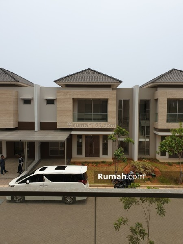 Rumah Golf Island Concerto 10x15 Harga 4.6M! Siap Huni!, Pantai Indah Kapuk, Jakarta Utara