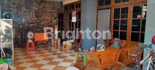 RUNGKUT MAPAN 2 LANTAI LUAS NEGO CANTIK DEKAT RAYA JUANDA, Rungkut, Surabaya