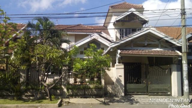 Rumah di Nginden Intan, Strategis, Ada Carport, Sukolilo, Surabaya