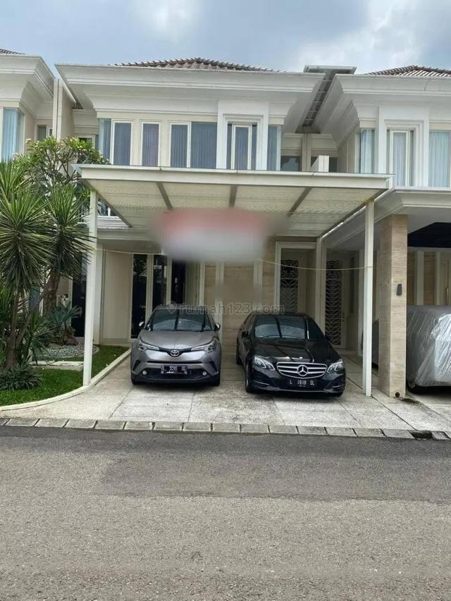 Rumah di Pakuwon Indah La Riz Wood, Sambikerep, Surabaya