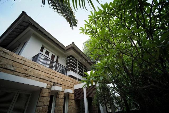Rumah Diamond Hill  Citraland, Strategis, Sambikerep, Surabaya