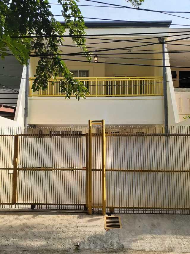 Rumah Baru Renovasi di Kelapa Gading dengan Design Minimalis nan Elegan, Kelapa Gading, Jakarta Utara