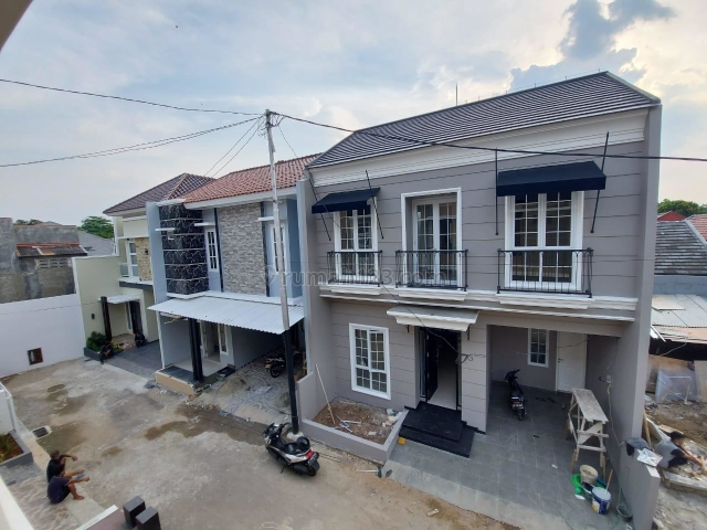 Rumah cantik bergaya eropa dalam cluster di Jagakarsa jaksel, Jagakarsa, Jakarta Selatan