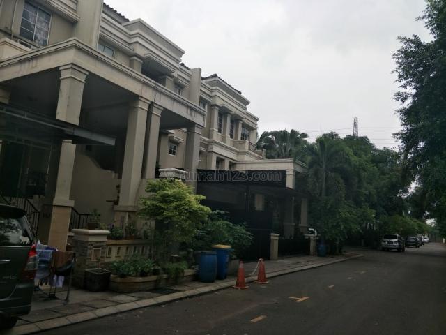 Rumah Nyaman dan Asri di Gading Grande Kelapa Gading, Kelapa Gading, Jakarta Utara