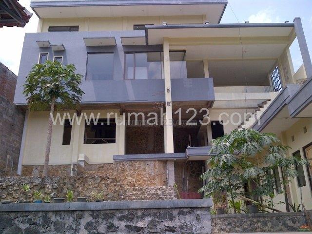 Murah Rumah Semi Villa 5 Lantai View Bandung di Cimenyan, Cimenyan, Bandung